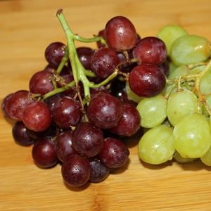 uvas de dos colores