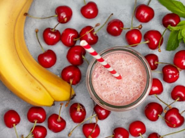 Batido o Licuado de Cerezas y Plátano, deliciosa mezcla