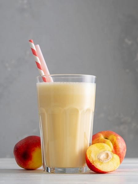 Batido o Licuado de Melocotón y leche sencillo y fácil
