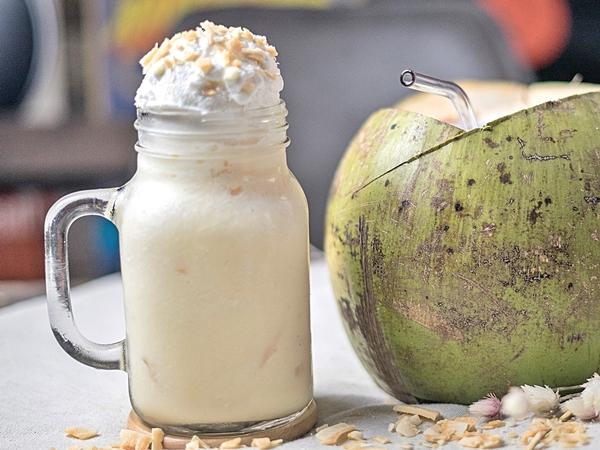 Batido De Coco Natural Recetas Y Beneficios Recetasdebatidos Com