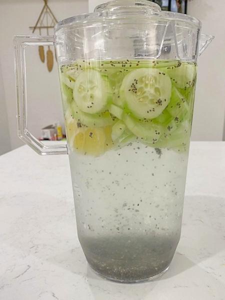 Agua de chia con pepino