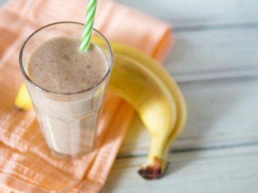 Batido de Plátano o Banana con Leche, tipo Milkshake