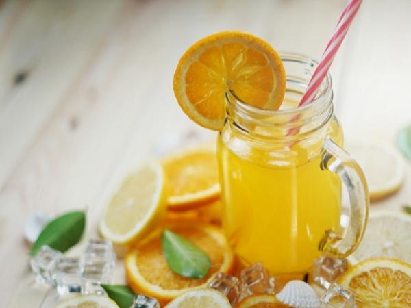 Agua de naranja con limón
