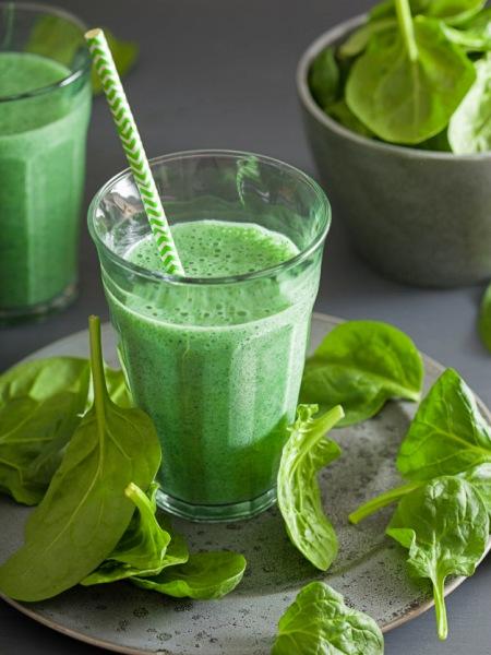 Batido Verde cargado de nutrientes y bajo en calorías