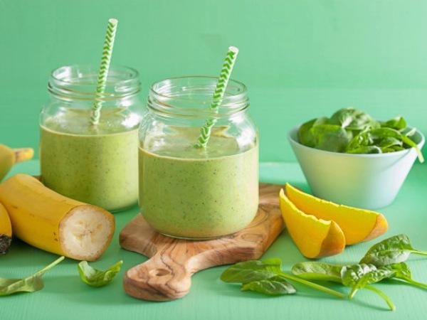 Batido o Licuado Verde Tropical de Mango, Plátano y Espinacas