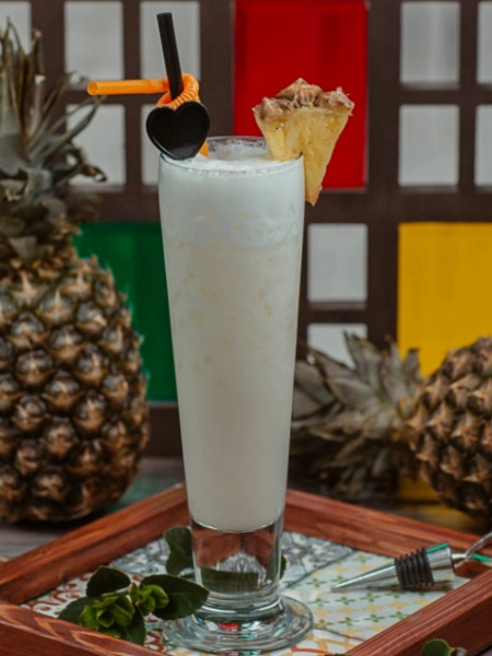 Batido de leche de coco y piña