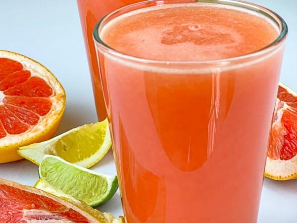 jugo o zumo de pomelo y limón