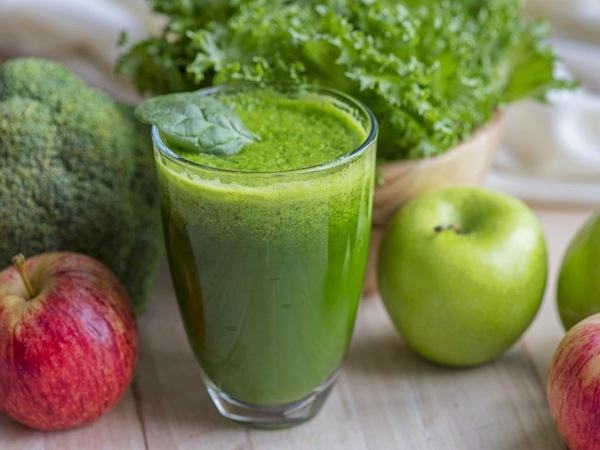 Smoothie con brócoli, saludable y cena ligera
